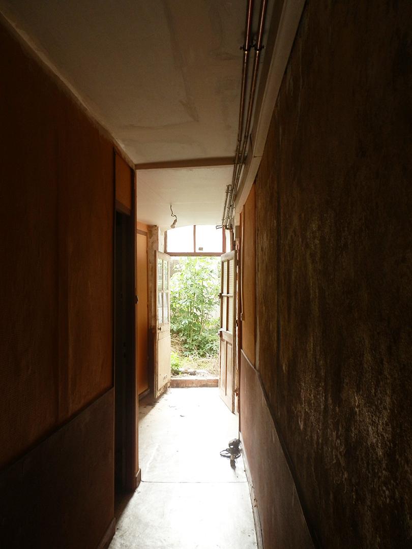 Avant : couloir d'entrée